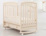 Детская кроватка Гандылян Джулия Бабочка (колесо-качалка)